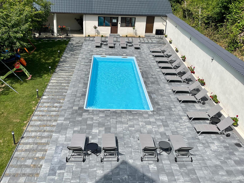 Pensiunea Platinum Baile Herculane exterior piscina 2